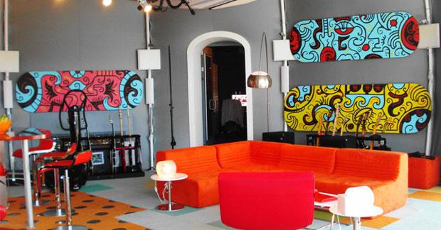 Apartemen dengan desain pop art